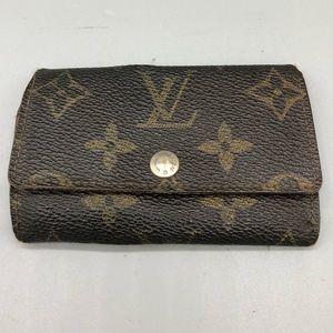 AS IS authentic Louis Vuitton vintage 6 key holder